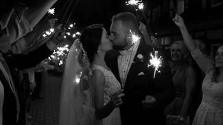 Воронежские загсы вернулись к формату камерных свадеб из-за коронавируса
