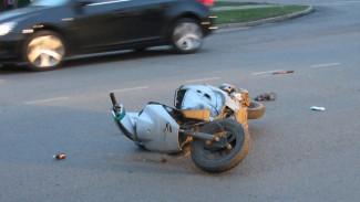 Под Воронежем скутерист погиб под колёсами Ford Fusion из-за своей невнимательности