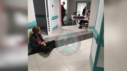 Воронежцы пожаловались на 3-часовые очереди в детской поликлинике