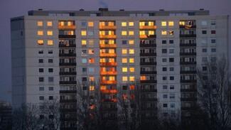 В Воронеже из горящей многоэтажки эвакуировали 35 человек: есть пострадавшие