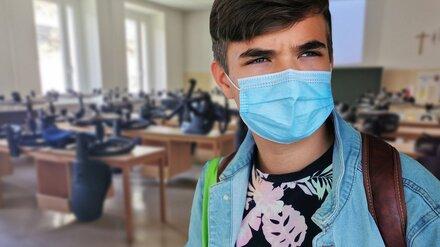 В Воронежской области 70 школьников и учителей заболели ковидом после каникул