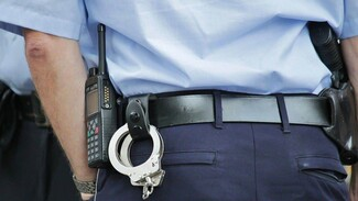 В Воронежской области двоих мужчин осудили за публичное избиение полицейских