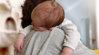 Младенец заболел коронавирусом в Курской области