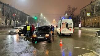 В массовом ДТП в центре Воронежа погиб автомобилист