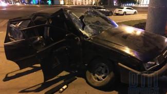 В Воронеже в ночном ДТП у площади Ленина пострадали два человека