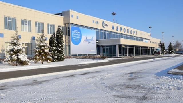Санкт-Петербург хочет отнять имя Петра I у воронежского аэропорта
