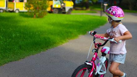 В Воронеже на дороге нашли напуганную 7-летнюю девочку