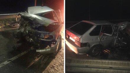 Водитель ВАЗа скончался после столкновения с грузовиком на встречке в Воронежской области