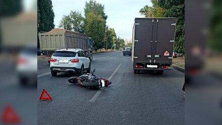 В Воронеже байкер попал под «Газель» после столкновения с легковушкой