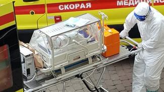 В Воронеже ещё одна женщина с COVID-19 родила в «красной зоне» здорового малыша