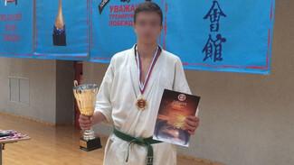 В Воронежской области рецидивиста оставили в СИЗО за убийство 18-летнего каратиста
