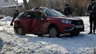 Под Воронежем в ДТП с «Ладой» и КамАЗом пострадали три человека