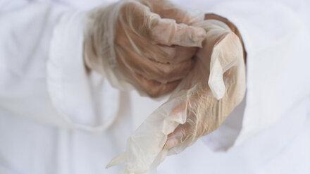 Главный инфекционист Минздрава назвал неэффективным ношение перчаток