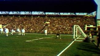 Огромные очереди и пустые трибуны. Как «лихорадило» стадионы в советском Воронеже