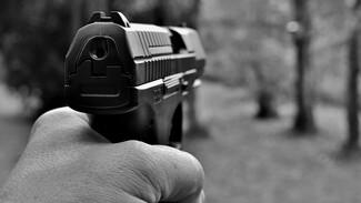 В Воронеже неизвестный выстрелил в газонокосильщика