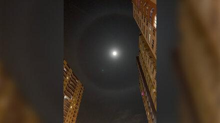 Воронежцы сфотографировали в небе над городом красивое явление