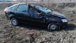 На воронежской трассе автомобиль вылетел в кювет: погиб водитель