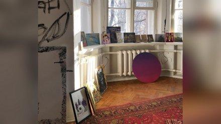 Воронежцам предложили бесплатно разобрать картины с уличной выставки