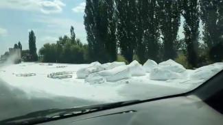Попавшая в ДТП фура с мукой парализовала движение на подъезде к Воронежу