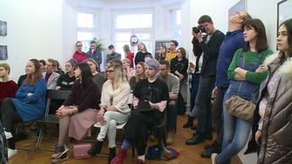 Воронежцы рассказали истории из своей жизни на спектакле-исповеди