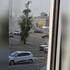 Полыхающую на парковке легковушку в Воронеже сняли на видео