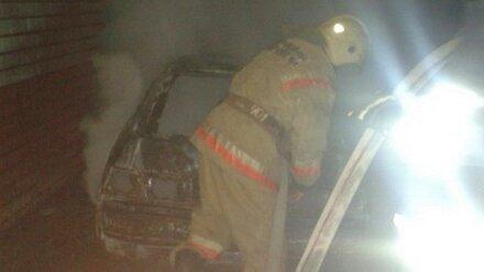 Под Воронежем в гараже частного дома сгорел внедорожник
