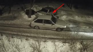 Воронежцев вновь предупредили о неизвестных, сливающих бензин из баков авто