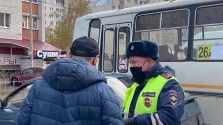Воронежского маршрутчика арестовали на сутки за вождение без прав