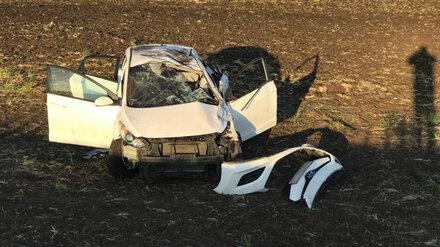 В Воронежской области опрокинулась иномарка с водителем-подростком: пострадали трое