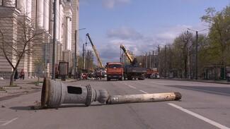 Без шишек и юбок. В Воронеже на проспекте Революции заменили фонарные столбы
