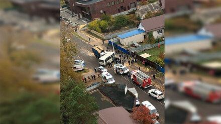 В Воронеже самосвал протаранил пассажирский автобус: есть пострадавшие