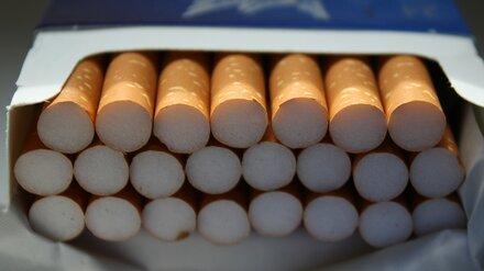 В Воронежской области банда на ходу ограбила КамАЗ с сигаретами