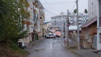 Улицу в центре Воронежа перекрыли из-за крупной утечки газа