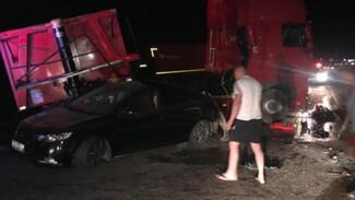 Под Воронежем в массовом ДТП с 4 машинами пострадали четыре человека