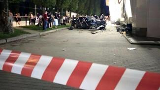 Единственную выжившую после ДТП с полицейским женщину выписали из больницы в Воронеже