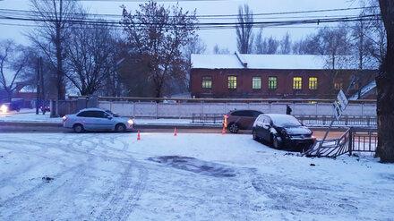Воронежец на Volkswagen разбился в ДТП в снегопад