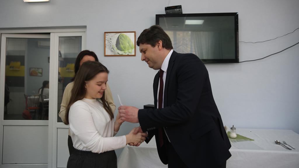 Школьники из Нововоронежа стали победителями и призёрами фестиваля «Зажигаем звёзды»