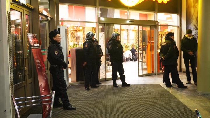 В конфликте совладельцев кинотеатра «Пролетарий» второй день разбираются сотрудники полиции