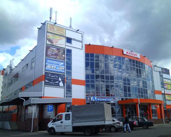 В Воронеже из-за сигнала о заминировании эвакуировали торговый центр
