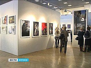 """20 фотографий на выставке """"Экспресс и коллеги"""" в Музее Крамского"""