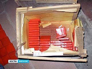 2000 запрещённых таблеток нашли в подвале воронежского торгового центра