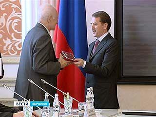 22 воронежца получили государственные награды из руг губернатора
