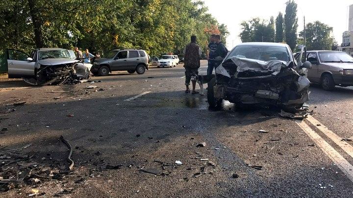 В Воронеже полиция возбудила дело о гибели человека в ДТП с 4 авто