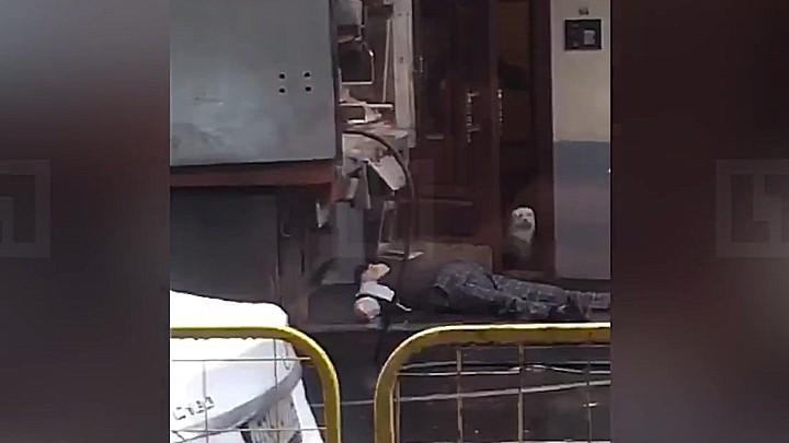 Первые секунды после расстрела экс-главы воронежской армянской диаспоры попали на видео
