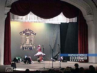 """500 учащихся приняли участие в фестивале """"Студенческая весна"""""""