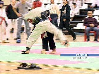 54 спортсмена приняли участие в турнире по джиу джитсу