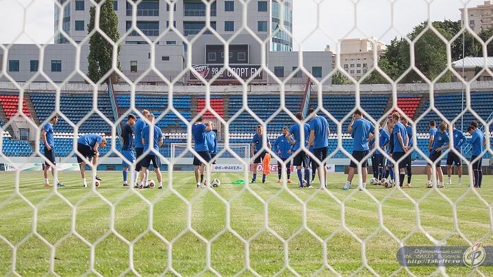 Первый матч нового сезона ФНЛ воронежский «Факел» сыграл с «Шинником» вничью