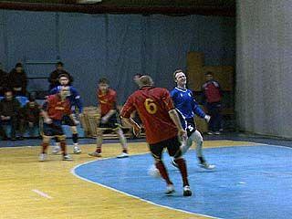 7 команд оспаривали призы первенства по мини-футболу