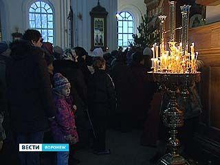 7 января верующие воронежцы отметили Рождество Христово