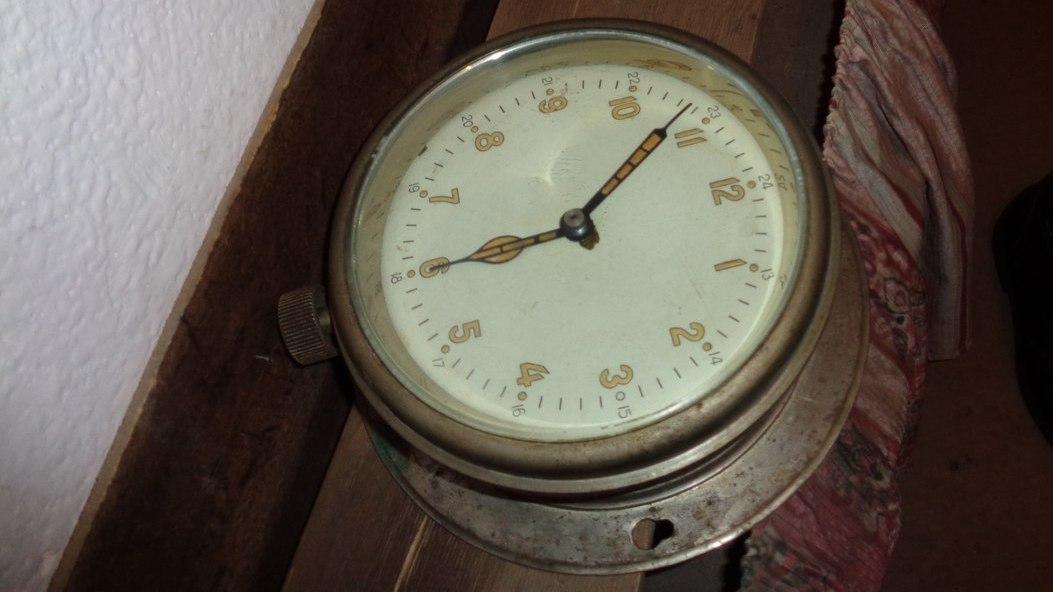 В квартире у воронежца настенные часы оказались радиоактивными